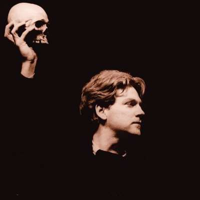 a critical essay on hamlet Hamlet was the play, or rather hamlet himself was the character, in the intuition and exposition of which i first made my turn for philosophical criticism, and especially for insight into the genius.