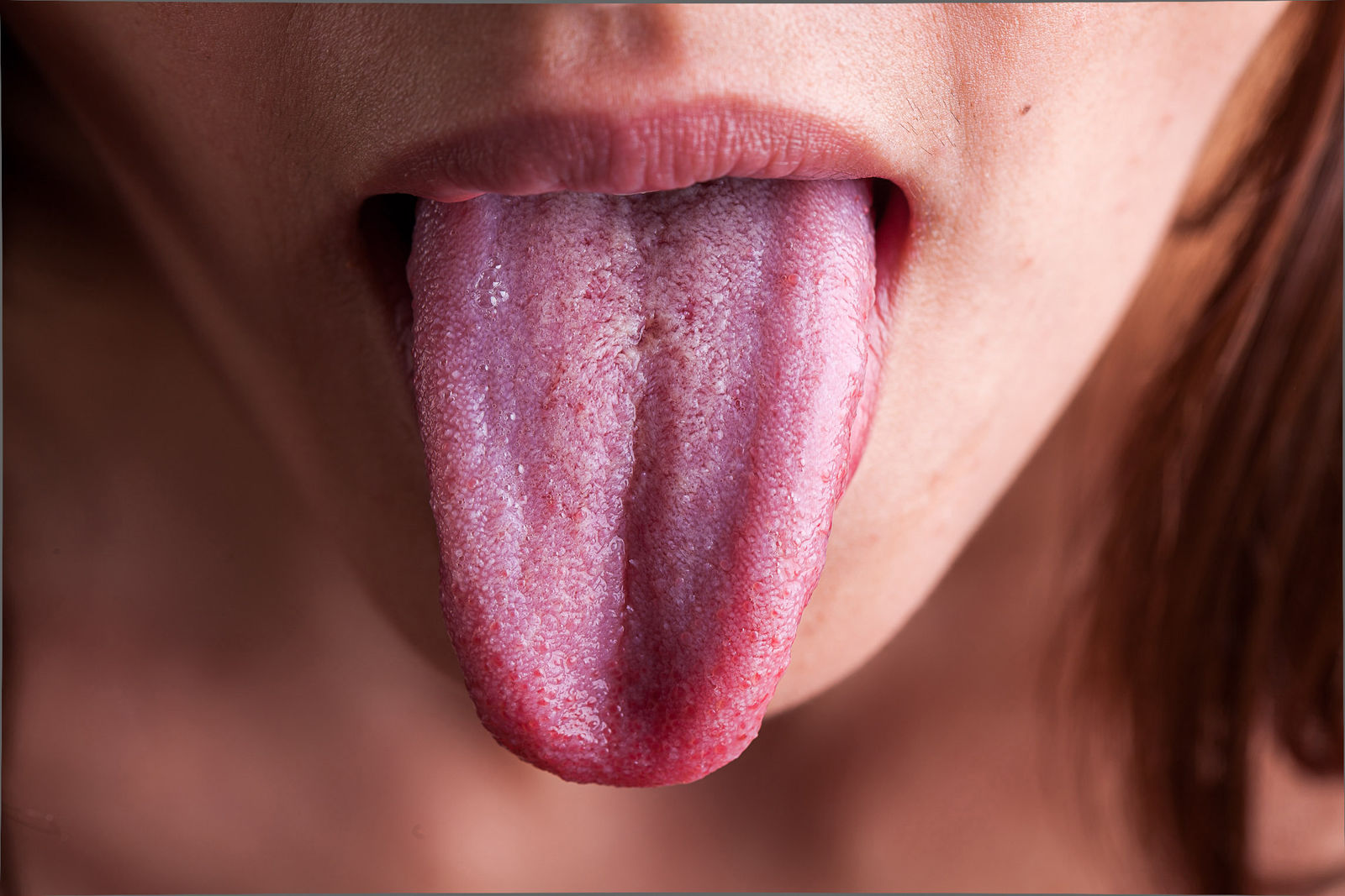 tongue-shots-oral-floss